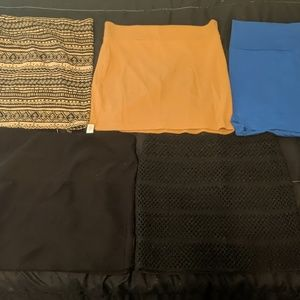 Variety of skirts. All for 15$ or 4$ each.